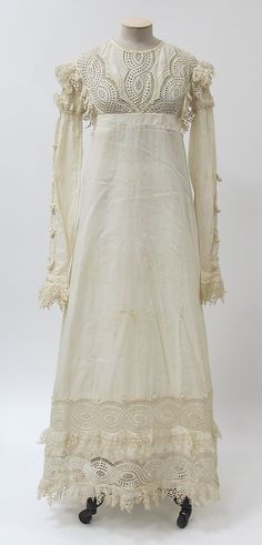 Dress, materials given as cotton and linen, 1815-20, probably British. Metropolitan Museum of Art accession no. 2014.41