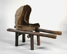 Magdalena Abakanowicz, Androgyne III, 1985, burlap, resin, wood, nails, and string, 121.9 x 161.3 x 55.9 cm (The Metropolitan Museum of Art)