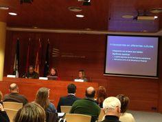 Mesa redonda sobre las entidades ambientales internacionales y el desarrollo sostenible.
