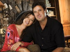 """DECEMBER 2-3, 9-10, 16-17, 22-23 – Amy Grant and Vince Gill """"Christmas at the Ryman"""" performances at the Ryman Auditorium. This Grammy-winning husband-and-wife team will sing class tunes and seasonal hymns to celebrate the season. #Nashville #MusicCity #AmyGrant #VinceGill"""