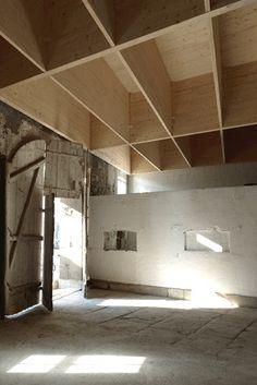 Charles Pictet Architecte  Taller en un edificio agrícola