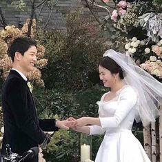 Wedding Pics, Wedding Couples, Cute Couples, Wedding Day, Wedding Dresses, Songsong Couple, Best Couple, Descendants, Desendents Of The Sun