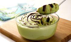 Musse de abacate com chocolateO abacate contém a glutationa, uma enzima que ajuda a turbinar o fígado lento. Adicione chocolate ao musse de ...