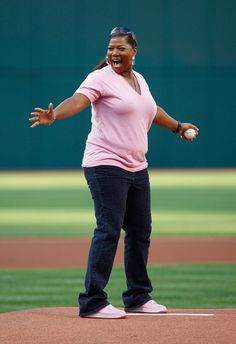 Pin for Later: Pitch Perfect — Stars Get Their Game On!  Queen Latifah worked the pitcher's mound at a New York Yankees vs. Cleveland Indians game in October 2007.
