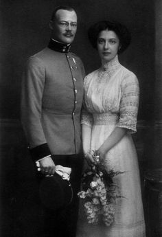 Archduchess Elisabeth Franziska of Austria (1892 - 1930) and her husband Count Georg of Waldburg-Zeil-Trauchburg. They had four children.
