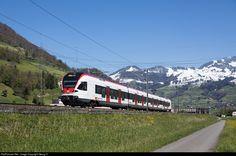 Diesel, Swiss Railways, Train Station, Model Trains, Locomotive, Taiwan, Railroad Tracks, Recreational Vehicles, Switzerland
