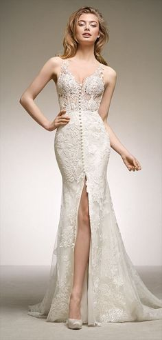 Pronovias 2018 spectacular mermaid wedding dress in lace and floral embroidery