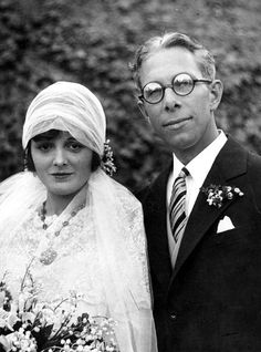 Mary Astor and Kenneth Hawks (brother of Howard Hawks) on their wedding day