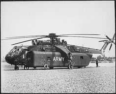 Vietnam War Picture - Huge Sky Crane CH-54A Helicopter