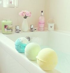 Just imagine being pampered by all the relaxing treatments that our exclusive homemade natural cosmetic stores, Lush, have to offer. Bath Bombs are their number one seller on our island. Just Girly Things, Entspannendes Bad, Lush Bath Bombs, Lush Cosmetics, Pretty Pastel, Smell Good, My New Room, Spa Day, Bath Time