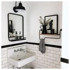 Simple Bathroom Designs, Bathroom Tile Designs, Modern Bathroom Design, Bathroom Interior Design, Black White Bathrooms, White Bathroom Tiles, Neutral Bathroom, Bathroom Sinks, Black And White Bathroom Ideas