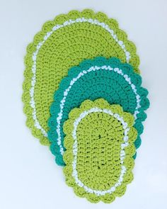 """Watch Maggie's 20 Hot Pad Crochet Pattern Product Review! Original Designs By: Maggie Weldon Skill Level: Easy Sizes:(Sizes given are approximate) Square:15"""","""
