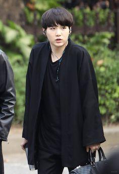 SUGA 161014 BTS going to Music Bank