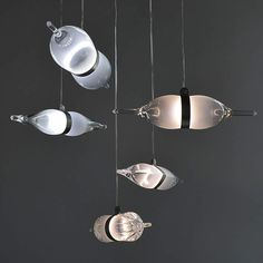Wine glass floats like a Zeppelin | Please subscribe to my NEWSLETTER at upcycledzine.com ! #upcycle #design