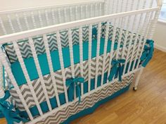 Bedding like this mom, but I want peach/pink (like the chevron quilt I pinned) instead of teal. PLEASE!!