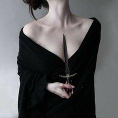 Gothic Aesthetic, Slytherin Aesthetic, Witch Aesthetic, Character Aesthetic, Aesthetic Girl, Dark Fantasy, Feral Heart, Mode Grunge, Yennefer Of Vengerberg