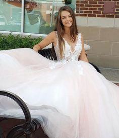 Ivory Dresses, Prom Dresses, Formal Dresses, Wedding Dresses, Ball Gowns Prom, Homecoming, Bodice, Tulle, V Neck