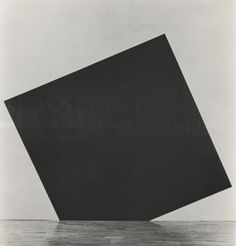 Richard Serra - Egyptian Horsemix i: Squared to the Floor, 1979 (329x396cm)