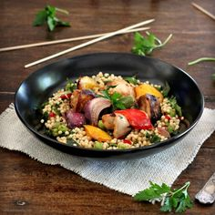 Roast Chicken Veg, Grilled Chicken Recipes, Chicken And Vegetables, Veggies, Pearl Couscous Recipes, Pearl Couscous Salad, Vegetable Couscous, Chicken Couscous, Main Dish Salads