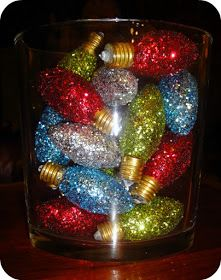 Holy Craft!!: Burnt Out Christmas Lights into Cute Sparkly Centerpiece!