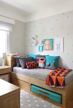 Acho que já disse isso por aqui, mas é fato que a decoração de quarto infantil é um do momentos mais divertidos, quando vamos planejar ou repaginar uma casa. Sem contar ainda que, dependendo da idade dos seus filhos, eles podem ajudar a escolher temas, móveis e acessórios para seus próprios quartos. Afinal, as