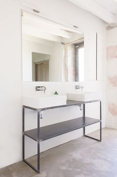 Bathroom. Sereine by Septembre. Photo by Linus Ricard.