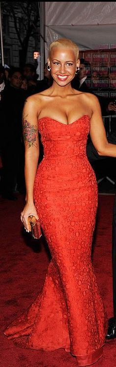 would kill to have this body just to wear this dress...to mcdonalds even ;o)