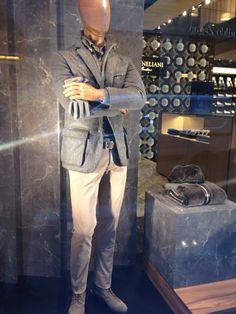 Window shopping for men at @corneliani in Milan! Check out: http://www.shoppics.com/s/corneliani/9GIwMRxyjt