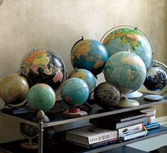 Globe collection- Jesus for the world Vintage Globe, Vintage Maps, Old Globe, Globe Decor, We Are The World, Tiny Treasures, Office Art, Antique Photos, French Country Decorating