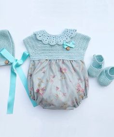Baby Clothing Set: Romper, Collar, Bonnet And Booties Get the look: This complete baby clothing set includes- Romper With Crochet Bodice Ruffle Col Crochet Fabric, Crochet Bebe, Crochet For Kids, Knit Crochet, Cute Sewing Projects, Knitting Projects, Crochet Projects, Tricot Baby, Baby Fabric