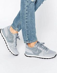 Shop Nike Internationalist Sneakers In Grey. With a variety of delivery, payment and return options available, shopping with ASOS is easy and secure. Shop with ASOS today. Sneaker Outfits, Nike Outfits, Sneakers Outfit Work, Jeans Und Sneakers, Sneakers Fashion Outfits, Sneakers Mode, New Sneakers, Casual Sneakers, Air Max Sneakers
