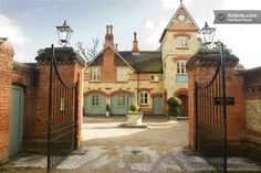 Unique 6 bed Tower home - N london  in Hertfordshire