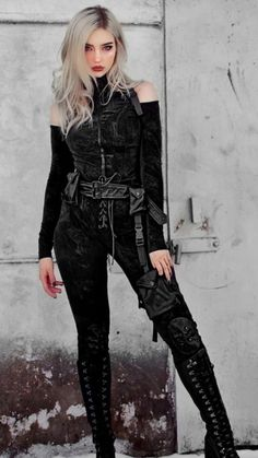 Hebi was born in meteor city. When she was born her father killed he… #fanfiction #Fanfiction #amreading #books #wattpad Gothic Outfits, Edgy Outfits, Mode Outfits, Grunge Outfits, Aesthetic Grunge Outfit, Aesthetic Clothes, Dark Fashion, Gothic Fashion, Teen Fashion Outfits