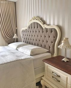 Biraz country biraz klasik bu keyifli evin dekoru pek zarif 34 amazing ideas country farmhouse decor that will make your home stunning Classic Home Decor, Fall Home Decor, Home Decor Bedroom, Elegant Homes, Country Decor, Home Decor, Home Deco, Country Style Homes, Country House Decor