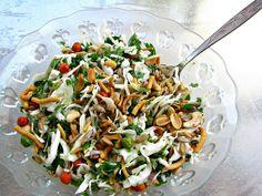 הלוחשת לאוכל: סלט כרוב, ירק ופיצוחים