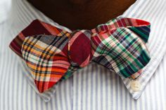 Madras Bow Tie by Rugby RL and Seersucker shirt by Polo Ralph Lauren. Preppy Boys, Preppy Style, Ivy Style, Men's Style, Style Men, Seersucker Shirt, Bowtie And Suspenders, Classic Man, Suit And Tie