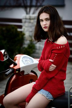 Red chunky sweater Sweater with holes Summer by Isabellwoolstudio