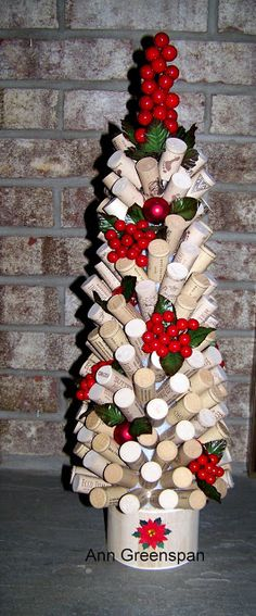 Wine Cork Christmas Tree by - Cards and Paper Crafts at Splitcoaststampers Wine Bottle Christmas Tree, Pine Cone Christmas Tree, Elf Centerpieces, Christmas Centerpieces, Christmas Decorations, Holiday Decorating, Wine Cork Wreath, Wine Cork Crafts, Bottle Crafts