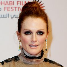 #JulianneMoore smoldered in a soft yet statement-making #topknot. http://news.instyle.com/photo-gallery/?postgallery=129935#