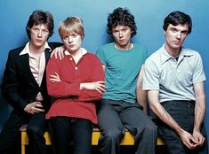 Talking Heads (l-r): Chris Frantz, Tina Weymouth, Jerry Harrison & David Byrne New Wave Music, Sound Of Music, Pop Music, Reggae Music, Blues Music, Echo And The Bunnymen, Amazing Songs, Post Punk, Greatest Songs