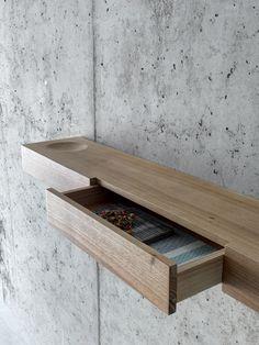 Walnut wall shelf BÀUTI by FIORONI design Pasquini Tranfa architetti