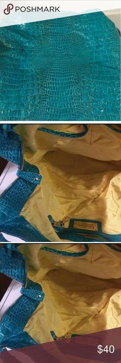 Jessica Simpson x-Large Handbag Great condition beautiful color Jessica Simpson Handbag Jessica Simpson Bags Shoulder Bags
