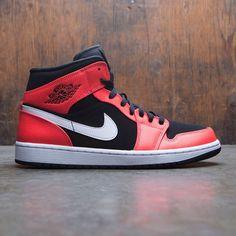 Nike Mens Air Jordan 1 Mid Basketball Shoe Black//Infrared 23//White Size 8