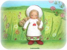 Fliegenpilz Wichtel Jahreszeitentisch von Susannelfes Blumenkinder  auf DaWanda.com