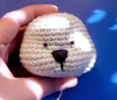 "Amigurumi Tutorial: How to Sculpting Teddy Head - PDF File, click: ""TeddyEddy head sculpting"" (link 5) here: http://amigurumibb.wordpress.com/help-page-tutorials-and-tips/"