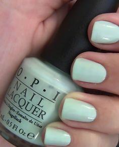 Mermaid nails | www.ScarlettAvery.com