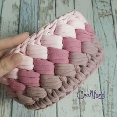 Crochet Tunic Pattern, Crochet Basket Pattern, Crochet Motif, Crochet Flower Patterns, Crochet Designs, Crochet Mandala, Crochet Home, Diy Crochet, Crochet Crafts