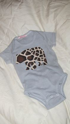 Bear giraffe baby onesie with Caboosee back by MomMadePeeks, $13.00
