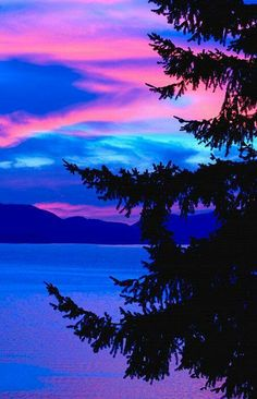 Pink & Blue Sunset - ©Raven Regan / DesignPics (via FineArtAmerica) ~xeranzaa Beautiful Sunset, Beautiful World, Beautiful Images, Blue Sunset, Amazing Nature, Belle Photo, Pretty Pictures, Beautiful Landscapes, The Great Outdoors