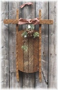 I have the sled! How cute - Primitive Christmas Sled Christmas Sled, Christmas Wood Crafts, Pallet Christmas, Primitive Christmas, Rustic Christmas, Christmas Projects, Holiday Crafts, Primitive Snowmen, Winter Wood Crafts